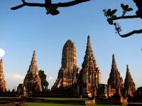 Аютия. Wat Chaiwatthanaram - кхмерская архитектура.